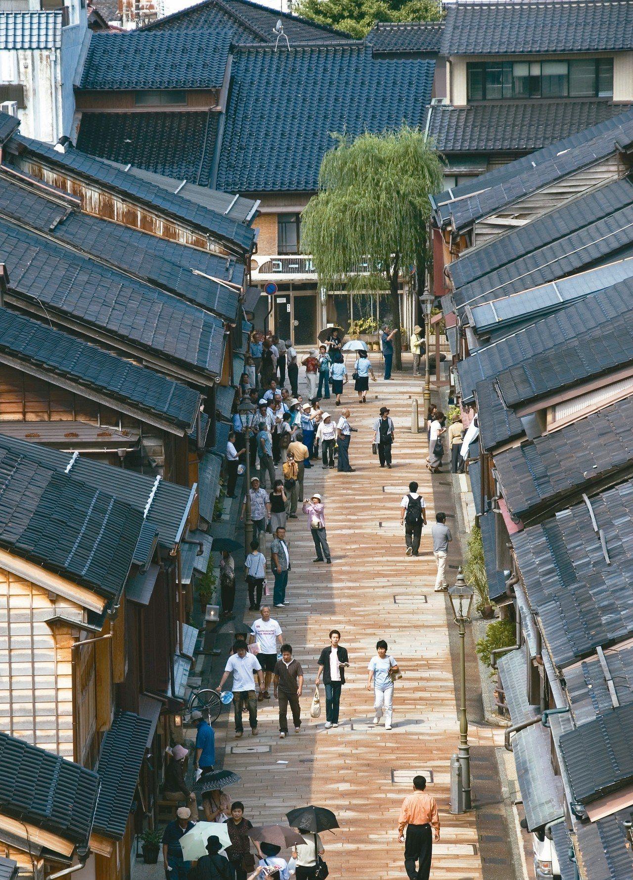 古色古香的東茶屋街,是日本最大茶屋街。 圖/有行旅提供