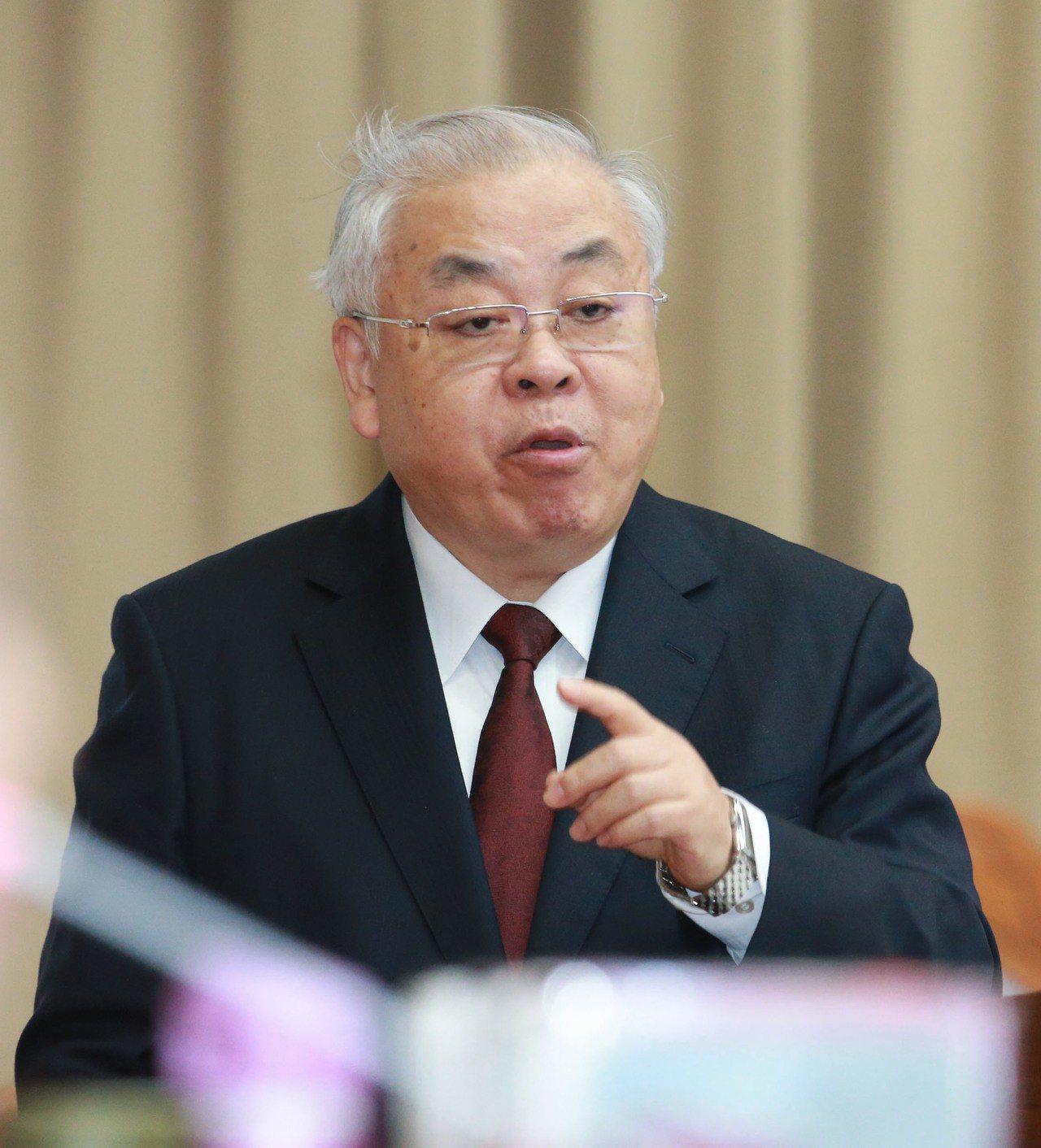 行政院主計總處主計長朱澤民表示,「目前物價是溫和的」,沒有通膨也沒有通貨緊縮趨勢...