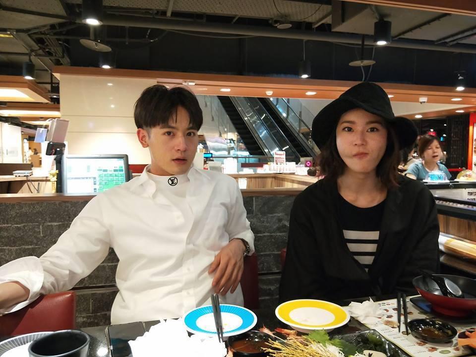 小樂吳思賢(左)和鍾瑶感情好。圖/摘自臉書
