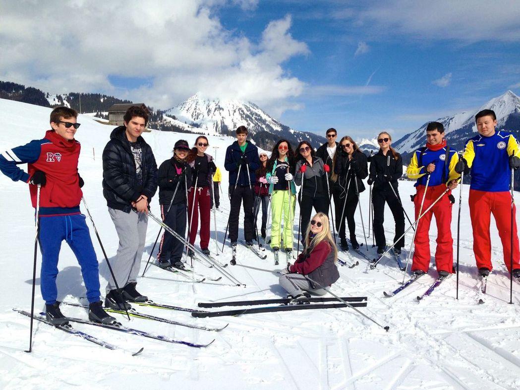 瑞士中學滑雪課 林肯企管/提供