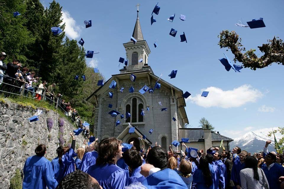 瑞士中學學生畢業典禮 林肯企管/提供