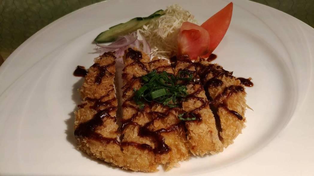 3月到台南老爺行旅,一次就可以品嘗兩位五星級飯店主廚的精湛料理。  陳慧明 攝影