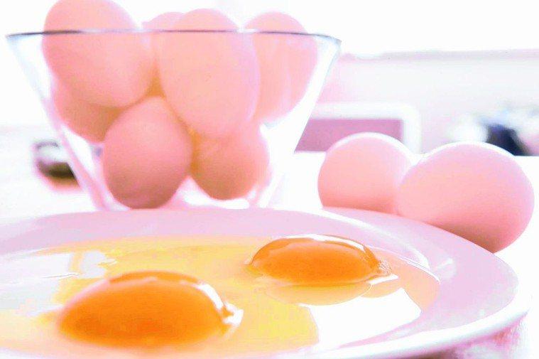 蛋含膽固醇,不能吃太多。 圖/聯合報系資料照片