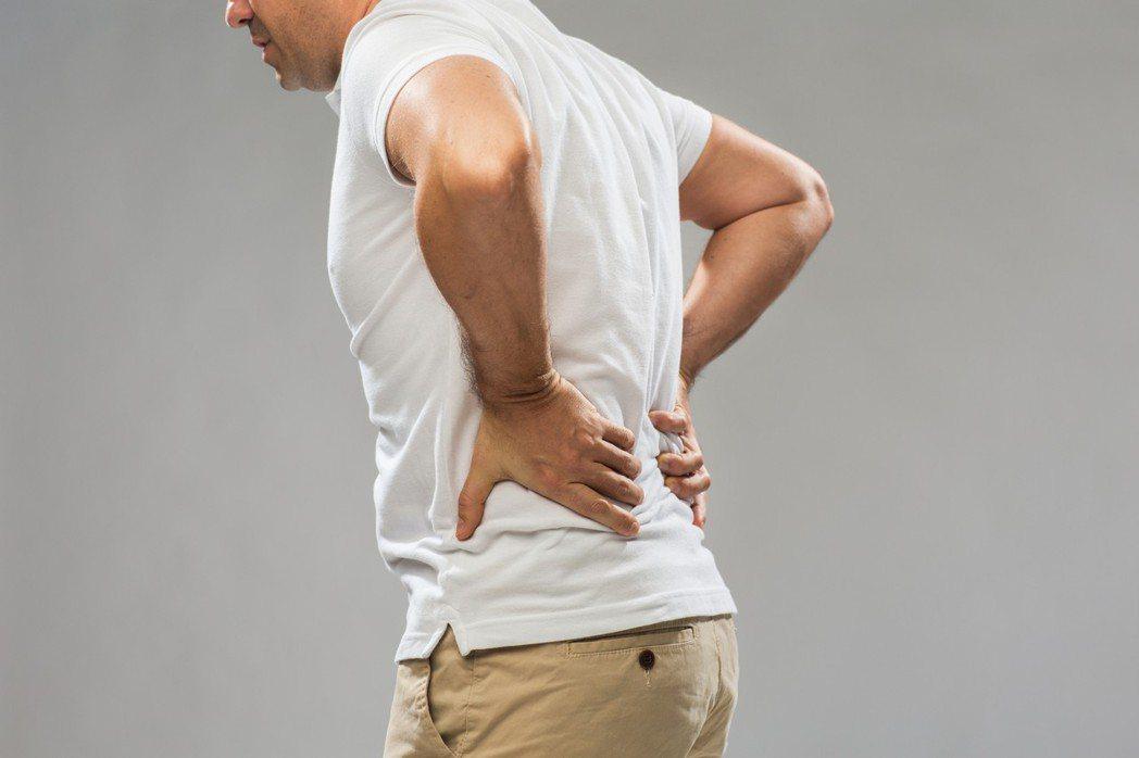 有調查顯示,近4成5的僵直性脊椎炎患者,從發病到確診歷經超過100個月(約8年)...