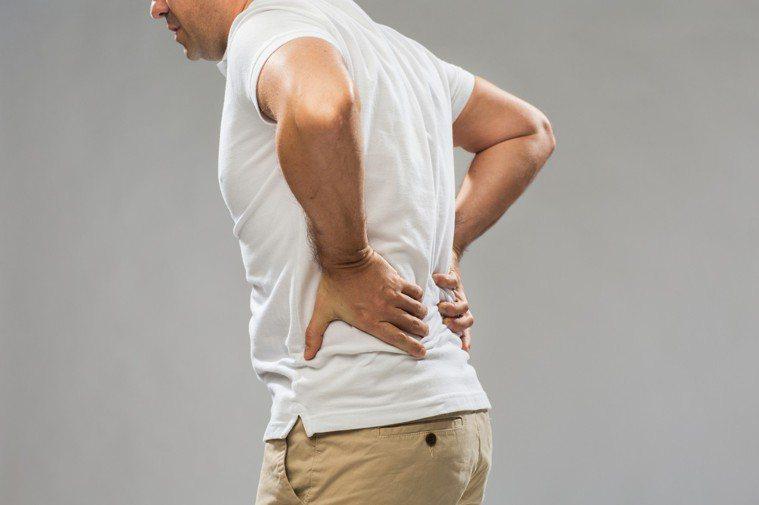 僵直性脊椎炎示意圖。圖/ingimage
