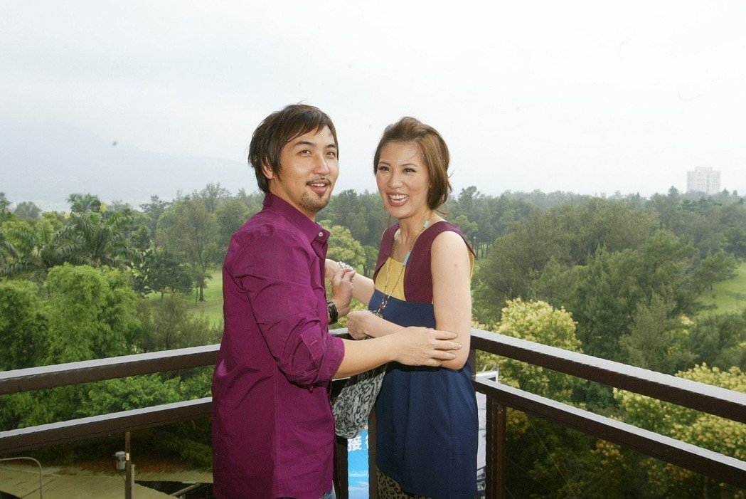 李進良(左)與小禎(右)對於目前關係滿意。 圖/聯合報系資料照