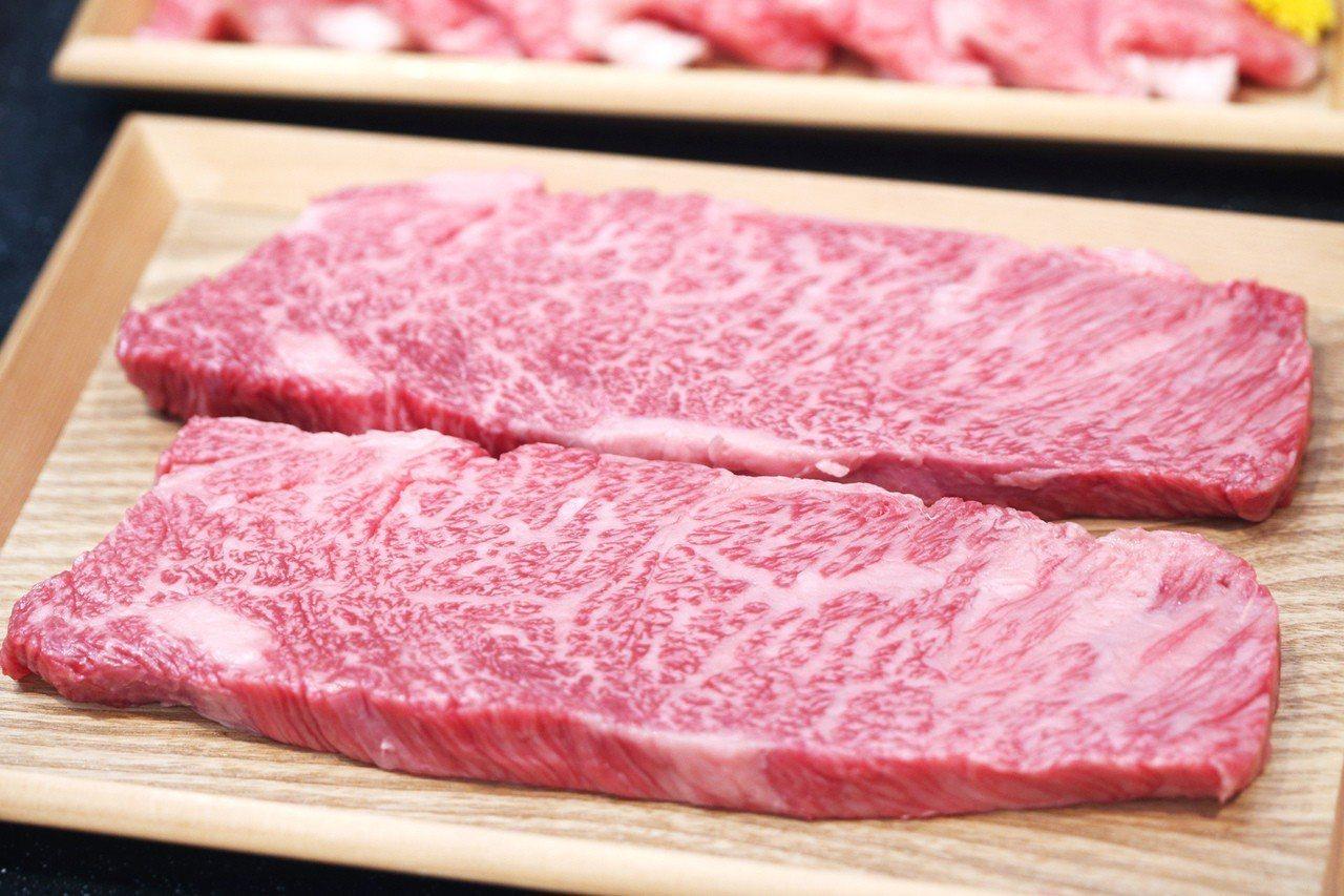「神戶牛」是神戶的美食代表,當地一間名店爆發造假風波後雖已停業,仍不忘一一退費給...