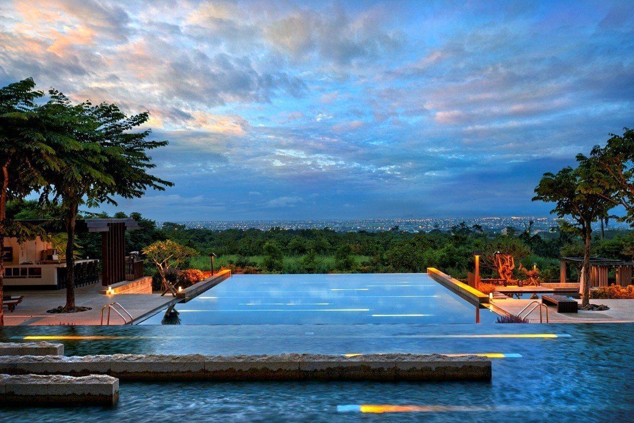 礁溪老爺無邊際泳池。圖/老爺酒店集團提供