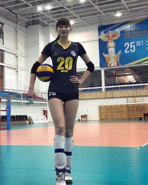 莎賓娜目前仍是排球選手。 圖/擷自莎賓娜IG