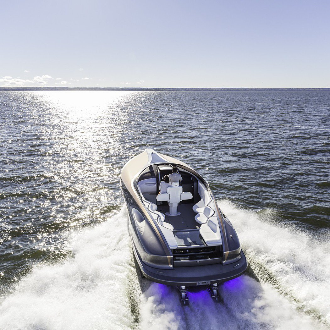 LEXUS大膽跨足全新豪華遊艇領域。 圖/LEXUS提供