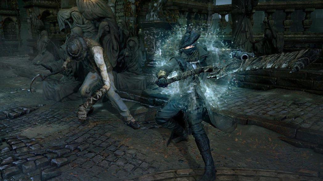 《血源詛咒》特殊的戰鬥機制,讓戰鬥涉及多重決策和反應。 圖/取自PS4
