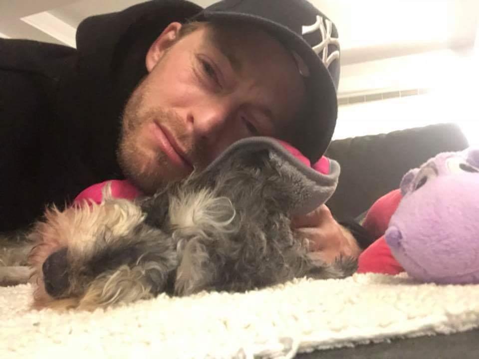 愛犬離世讓法比歐一時間難以接受。圖/摘自法比歐臉書