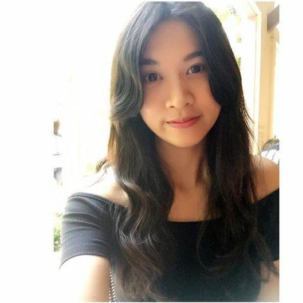 現役女士官Hong-Lin Chen在個人臉書貼出「我想找個人陪我,你願意嗎?」...