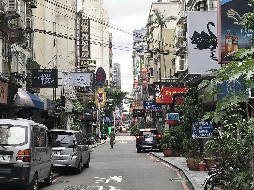 林森商圈巷弄街景 記者游智文/攝影
