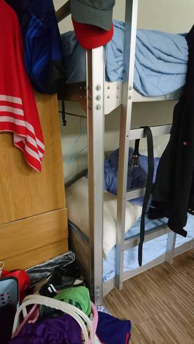 國家隊選手四個人住一間房。圖/林敬能提供