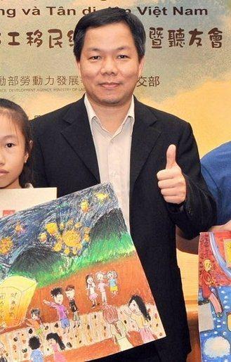 台灣藝術大學廣電系教授賴祥蔚。圖/央廣提供
