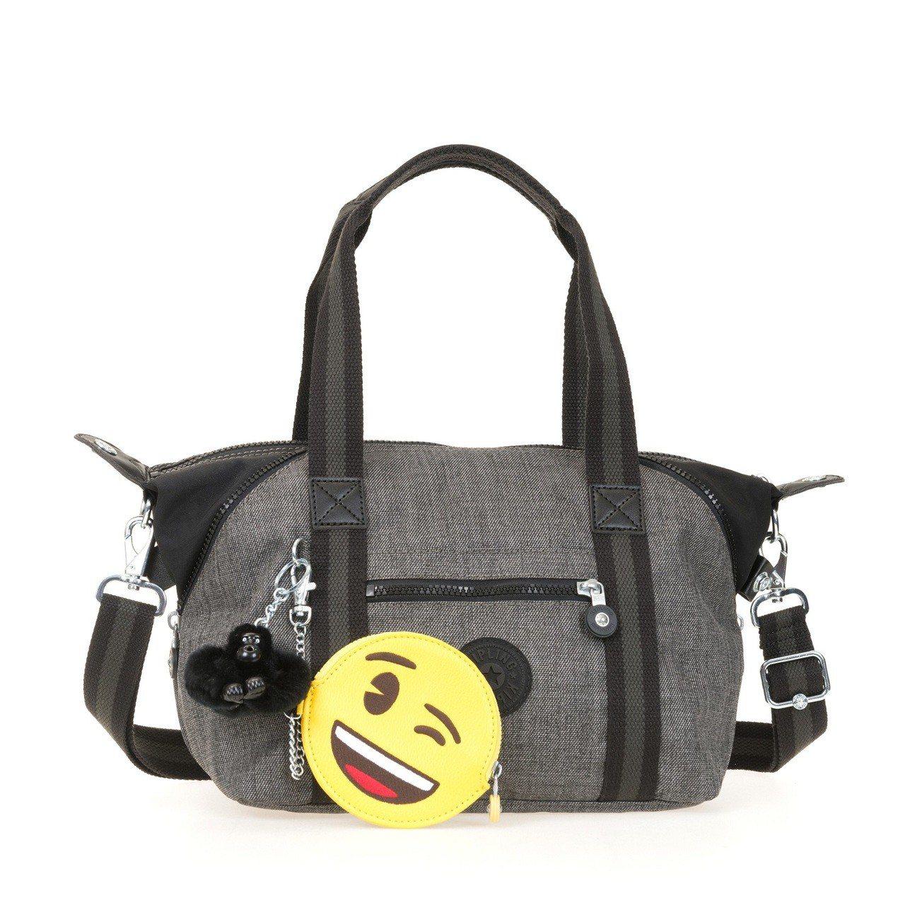 Kipling與emoji合作限定系列Art Mini旅行袋,約6,180元。圖...