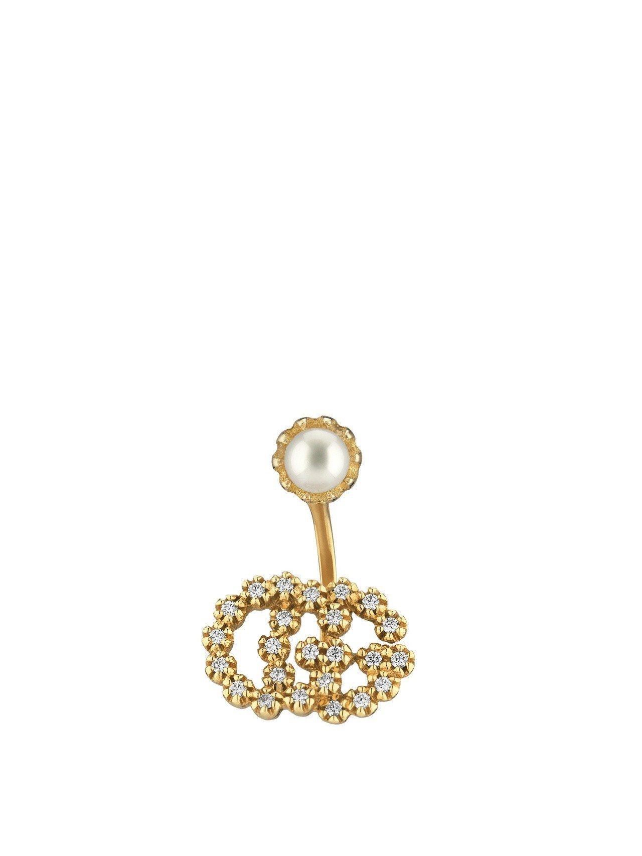 古馳18K 黃金G字珍珠鑽石耳環單耳,35,200元。圖/古馳提供