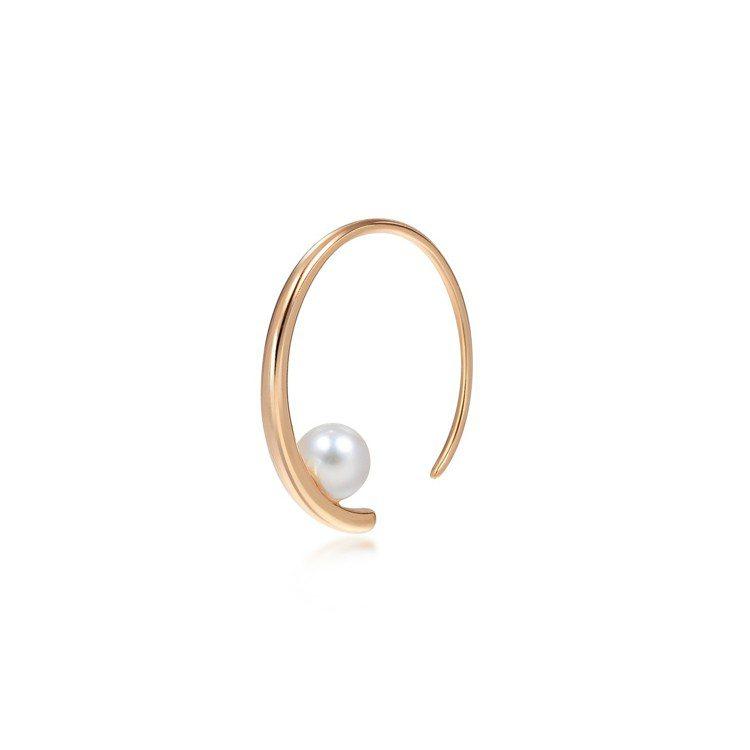 點睛品 La Pelle 18K玫瑰金Akoya珍珠耳環單支,4,600元。圖/...