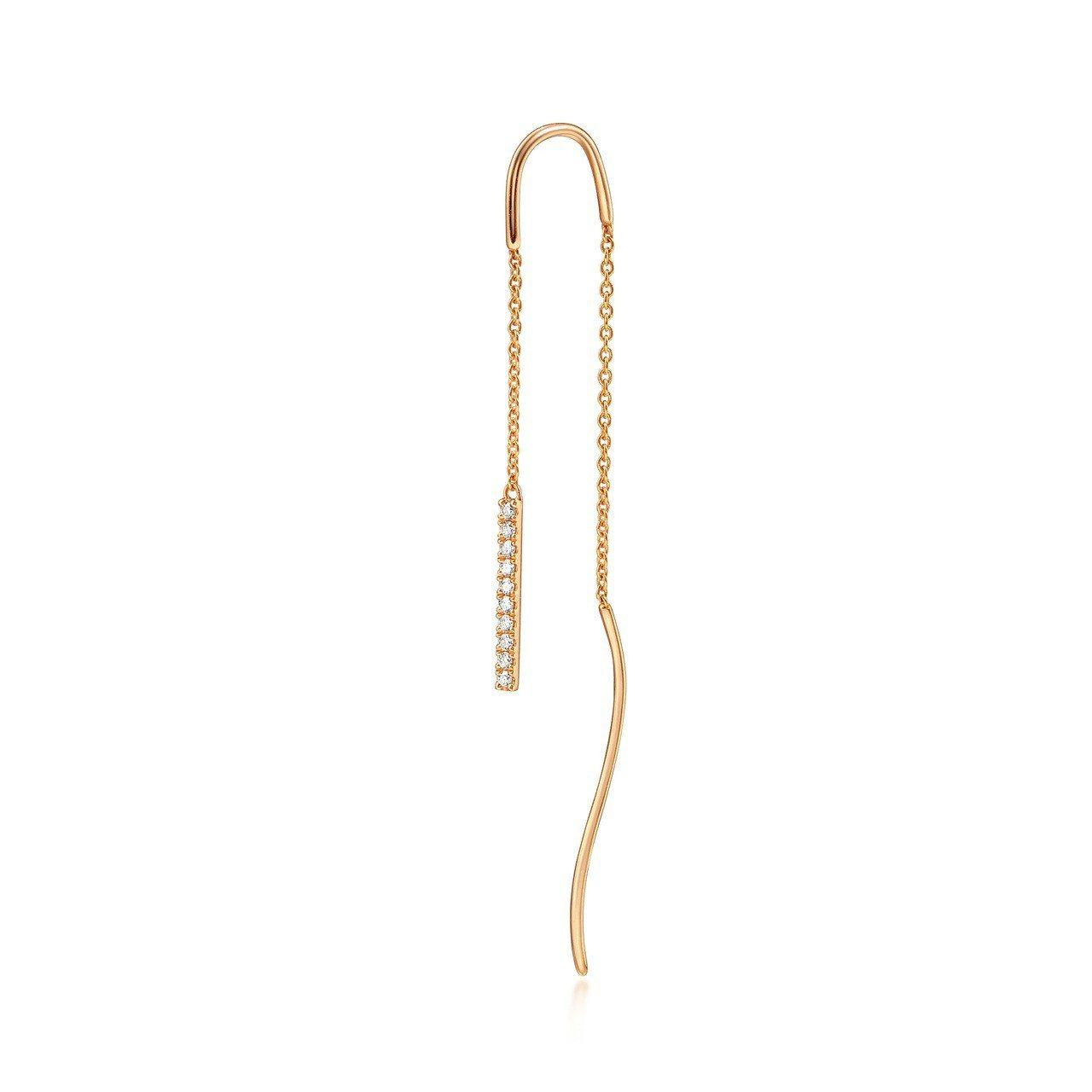 點睛品 Ear Play 18K玫瑰金鑽石耳環單支,7,500元。圖/點睛品提供