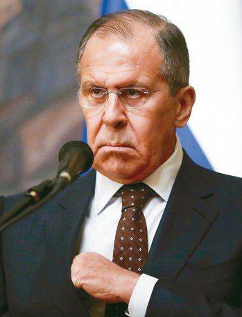 俄國外交部長拉夫洛夫十三日在莫斯科召開記者會,拒絕接受英國的通牒,否認俄國下手毒...