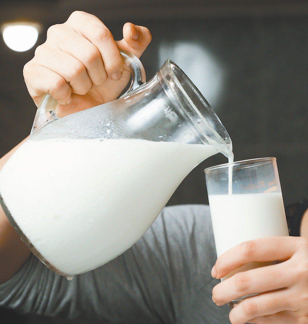 國健署調查,台灣十九至六十四歲成人,九成九每天喝不到建議的乳品量。 圖/聯合報系...