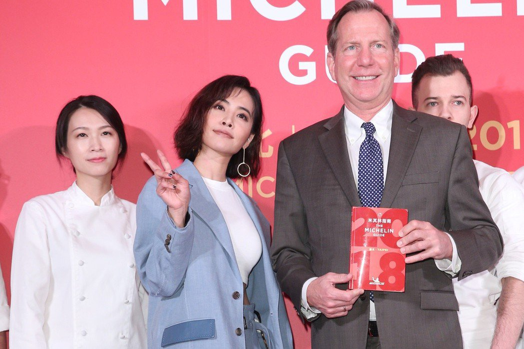 大病初癒的蔡依林(左二)出席米其林晚宴記者會。記者陳正興/攝影