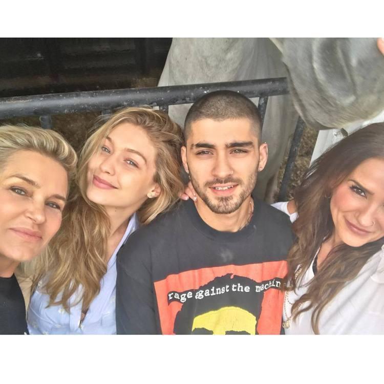Gigi Hadid和贊恩交往期間,與雙方家人相處融洽。圖/擷自instagra...