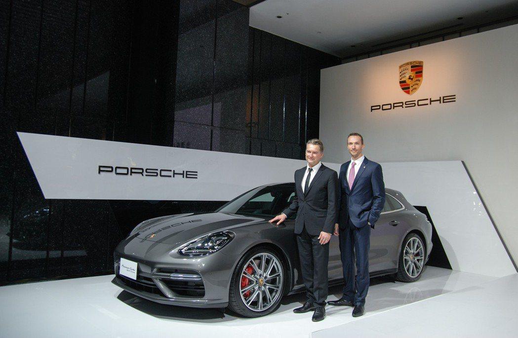 圖左為Porsche AG 海外銷售事業部副總裁Matthias Becker,右為台灣保時捷總裁 Maryin Limpert。 記者林鼎智/攝影