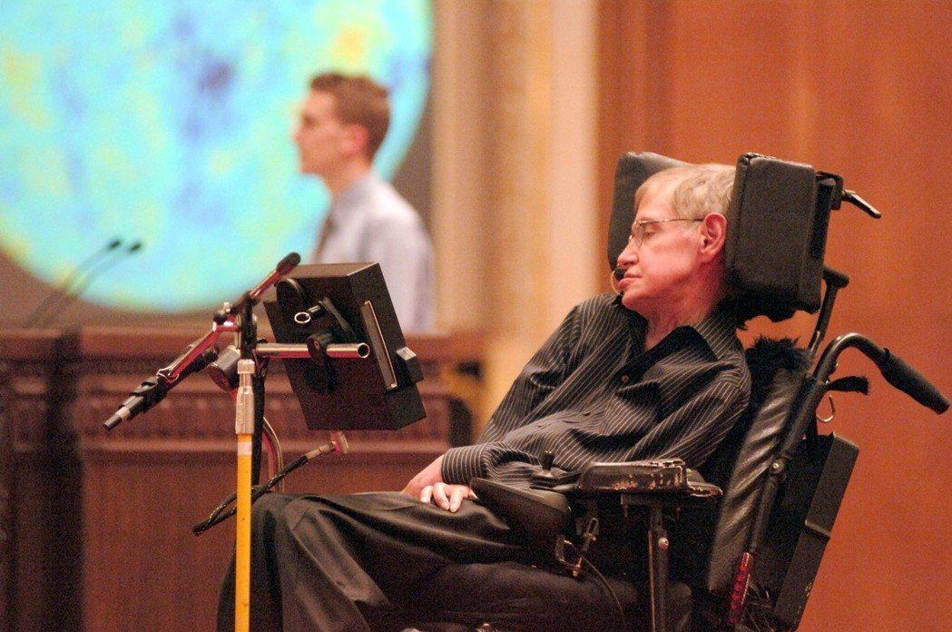 據英國媒體當地時間3月14日報道,英國著名物理學家斯蒂芬·霍金逝世,享年76歲。...