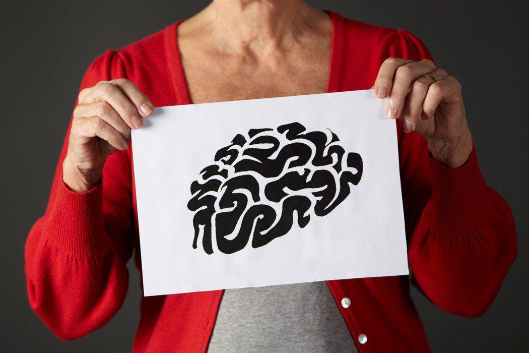 大腦健康一直是人們日益關注的問題,因為失智症的人口逐漸增多。 圖/ingimag...