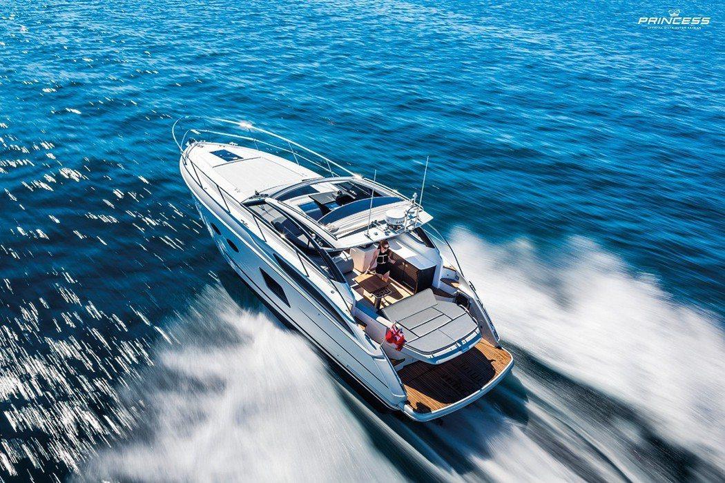 『Princess V39』輕巧靈敏,是遊艇玩家的最佳入門選擇。 業者/提供