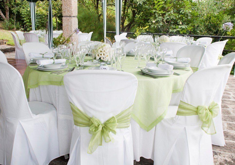 一名準新娘收到疑似「婚宴蟑螂」的私訊,對方希望能抽捧花。 圖/ingimage