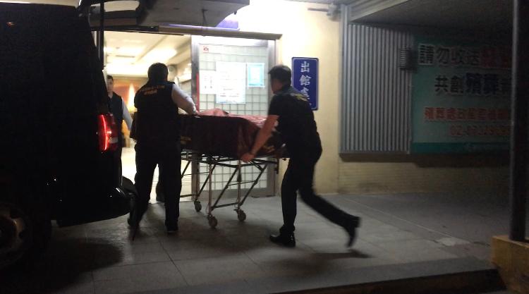 香港籍潘姓女子來台遭殺害棄屍,檢方相驗潘父到場不發一語。記者林孟潔/攝影