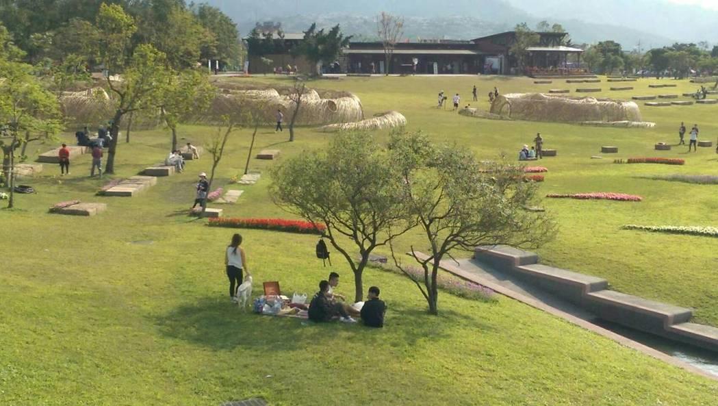 宜蘭綠色博覽會在美麗的生態綠舟舉行,寬廣綠地,很適合親子春遊宜蘭。圖/報系資料照