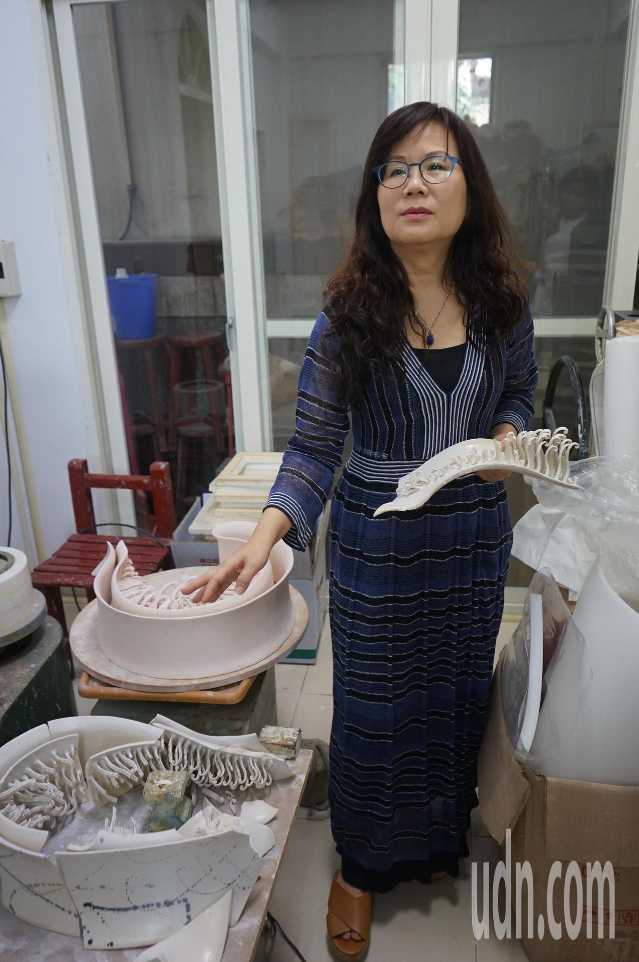 花蓮陶藝名家彭雅美的作品在強震中受損,其中還包括要到西班牙比賽的作品。記者王燕華...