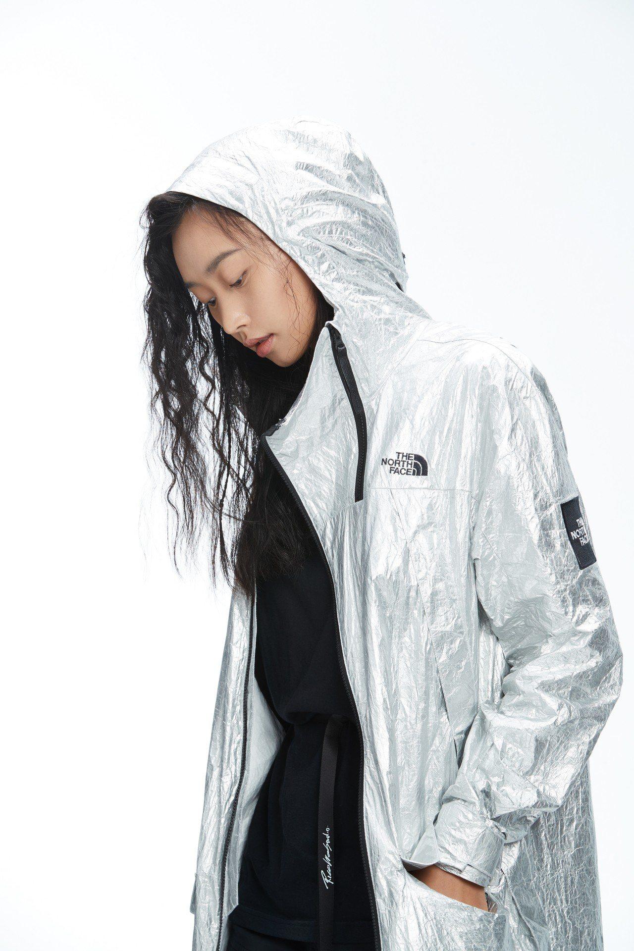 Tyvek® Aluminum系列MTN雨衣,約21,380元。圖/The No...