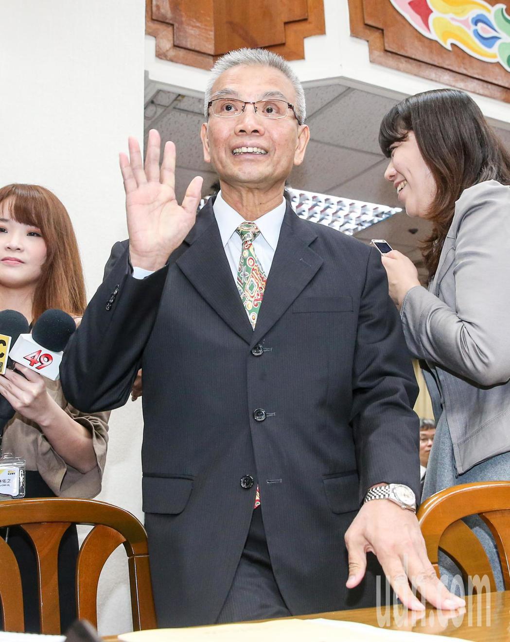 財政部長許虞哲今天前往立法院財委會進行業務報告。記者鄭清元/攝影
