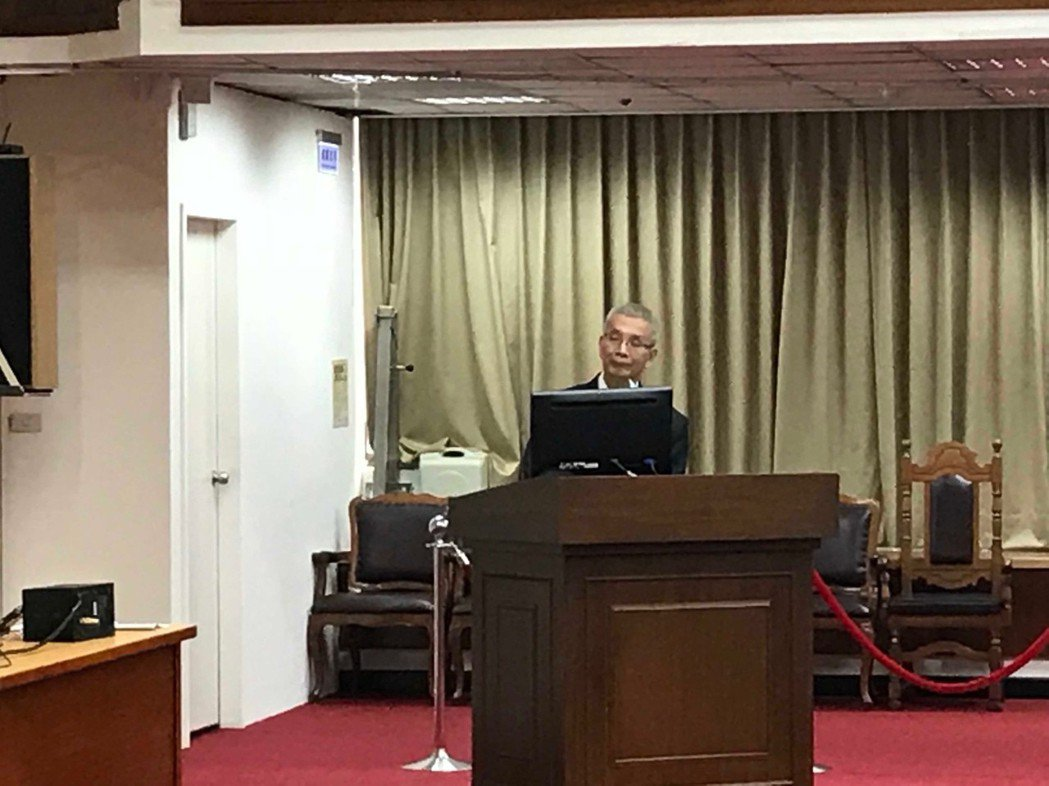 財政部長許虞哲今(14)日上午在財委會透露,行政院已同意,未來國營行庫的董事會,...