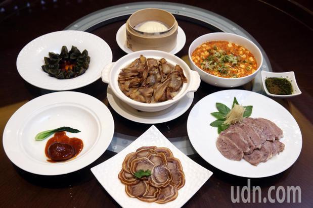 請客樓的菜色以豐富多樣的精緻小菜聞名。記者邱德祥/攝影