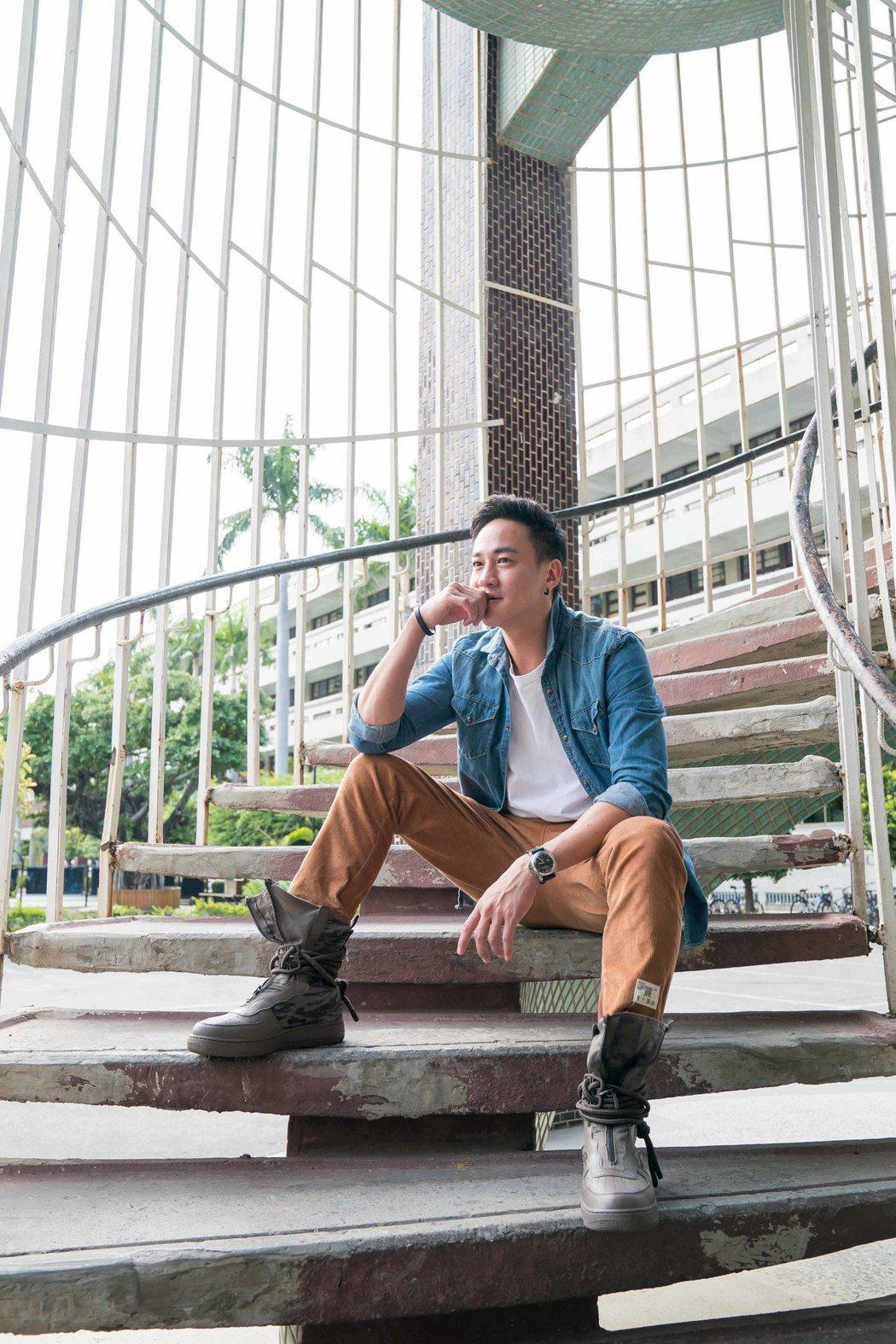 何潤東重回「翻牆的記憶」拍攝地相當興奮。圖/TVBS提供