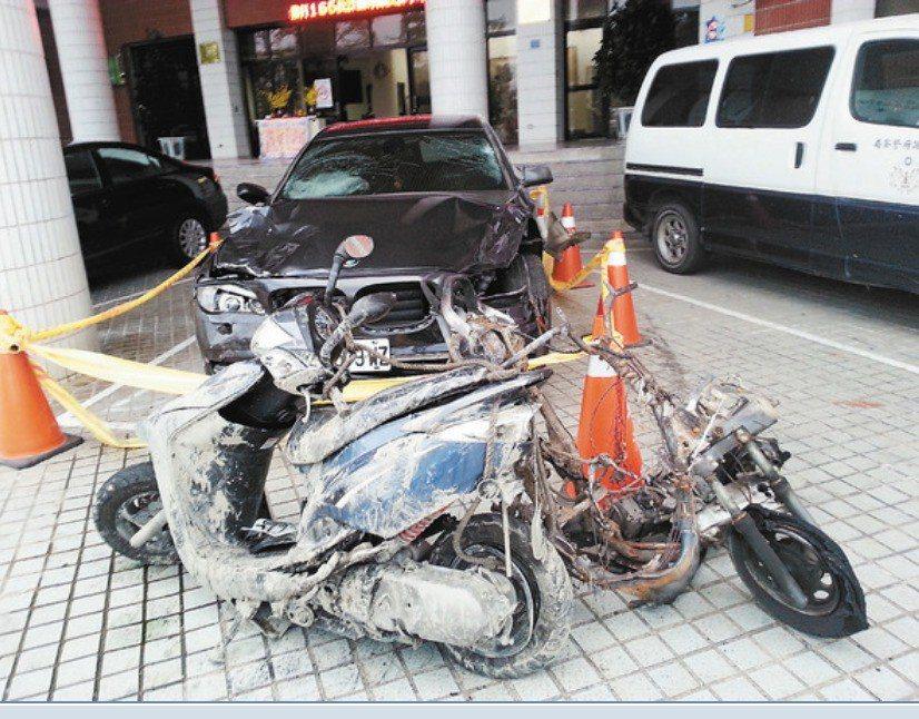 2012年10月在屏東縣東港鎮發生4死2傷車禍,肇事逃逸的林豐德被判7年徒刑定讞...