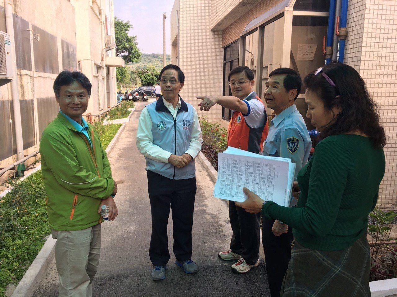 體育署副署長王水文(左二)赴國訓中心探視。 圖/體育署提供