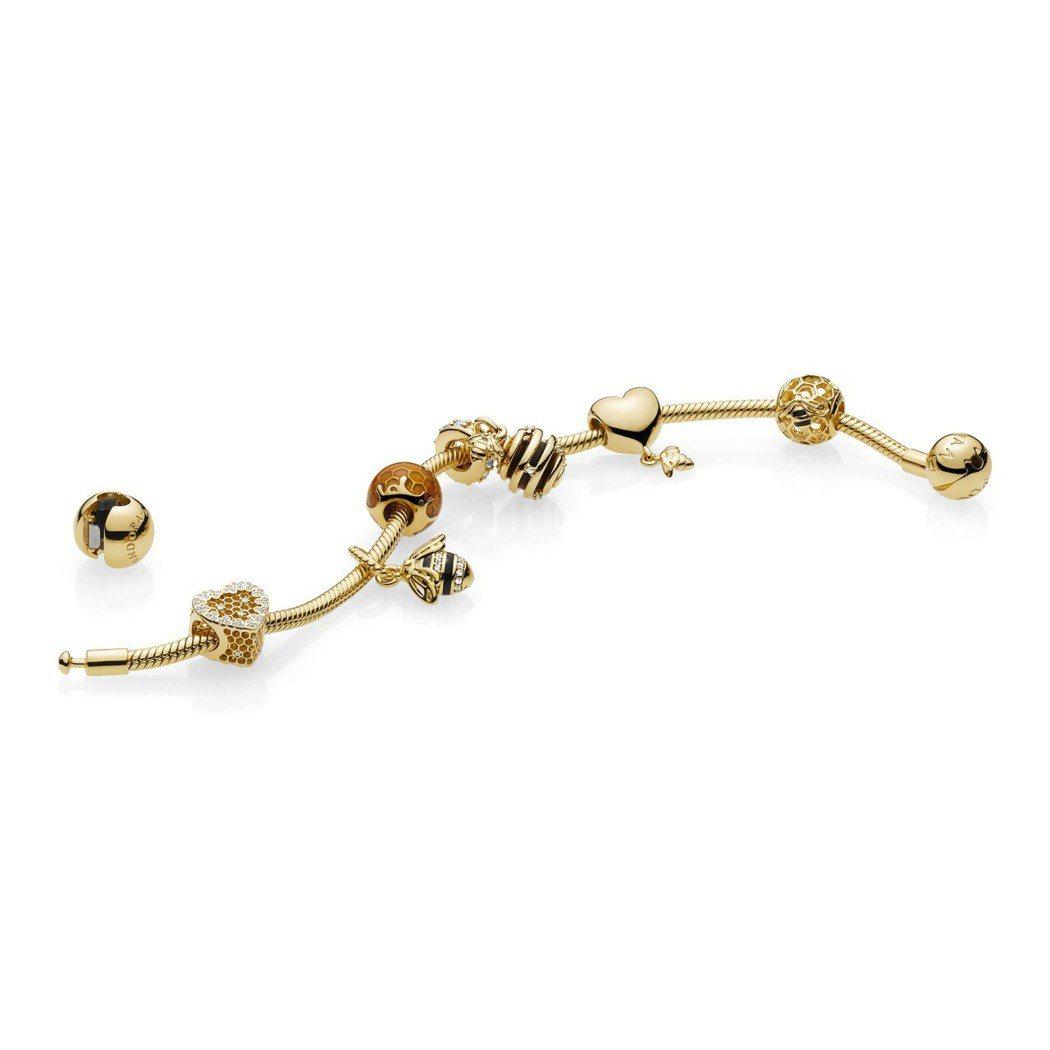 PANDORA SHINE 蜂巢系列串飾,1,980元起。圖/PANDORA提供