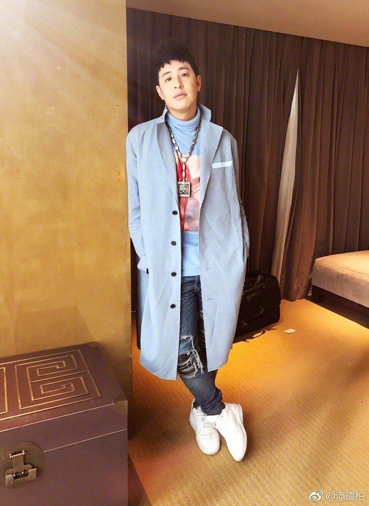 潘瑋柏身穿Christian Dada春夏系列服飾,搭配總價值超過3千萬的陀飛輪...