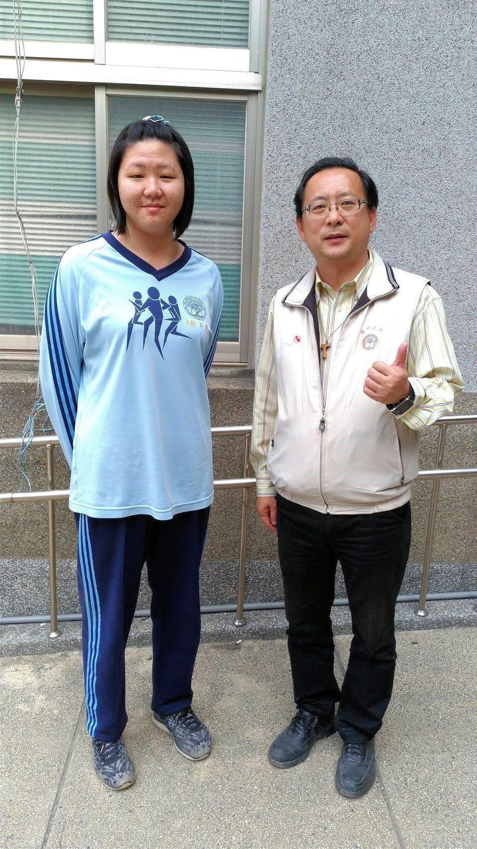 來自單親家庭的黎明高中劉芝嘉,錄取師範大學國文學系。圖/學校提供
