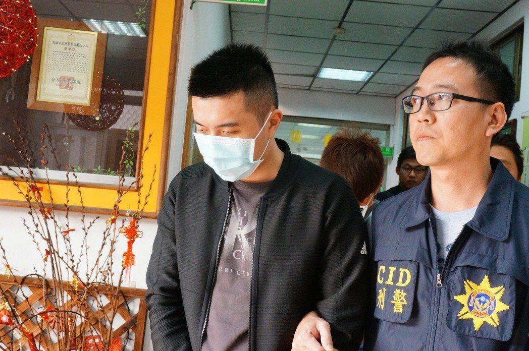 警方逮捕拘提洪姓男子等14人到案。記者劉星君/翻攝