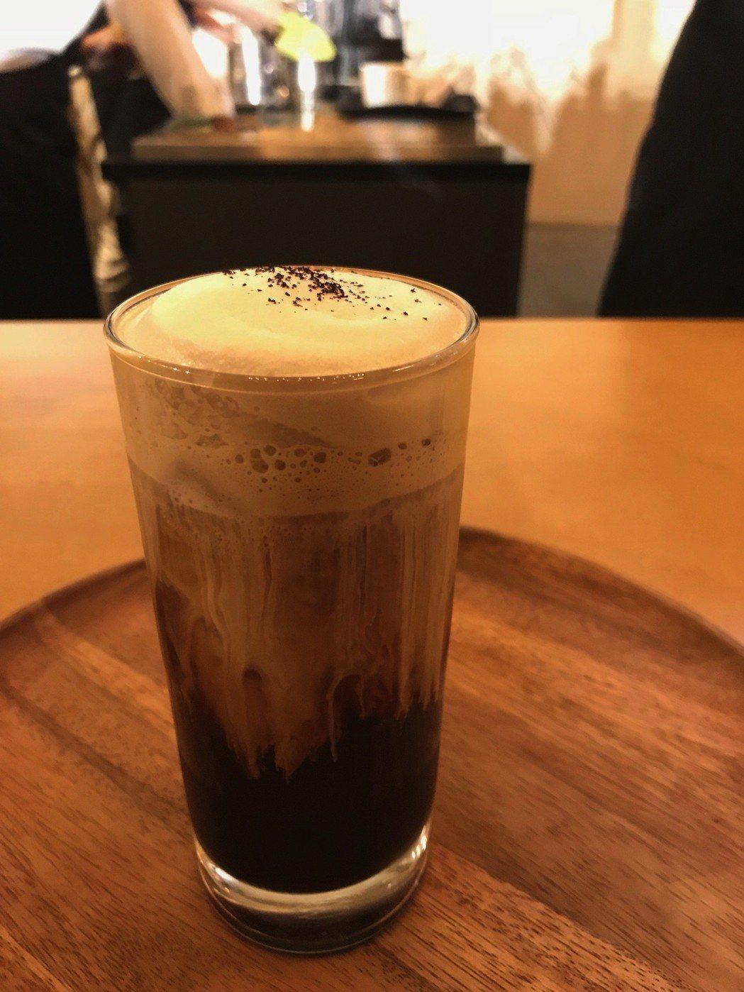 紅玉紅茶瓜地馬拉冰咖啡140元。記者江佩君/攝影