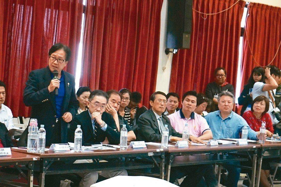 立法院交通委員會昨邀交通部官員到花蓮,在地觀光業者紛提建言。 記者王燕華/攝影