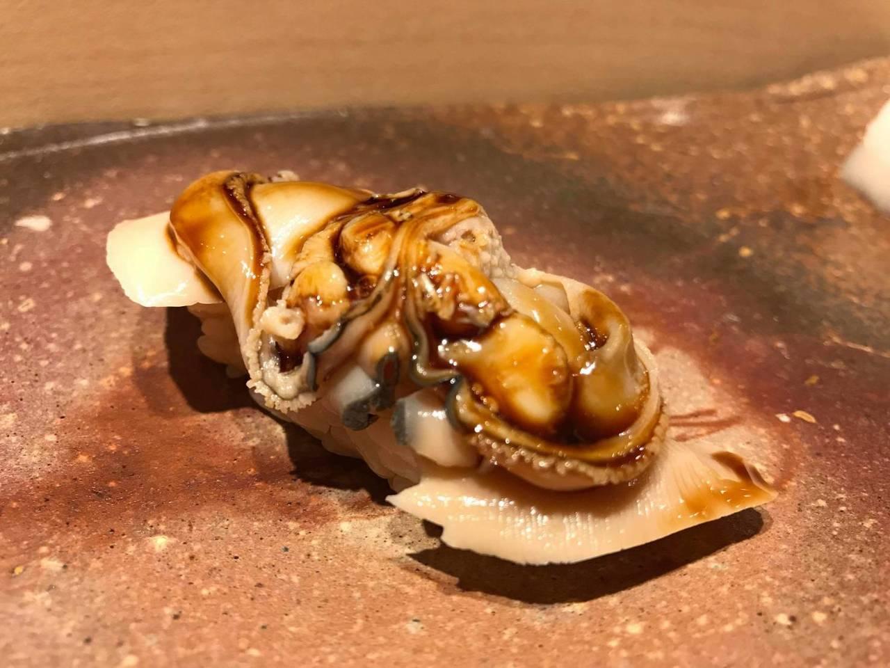 在鮨野村會發現原來這麼多不同食材都能變成美味的壽司料理。 圖/鮨野村提供